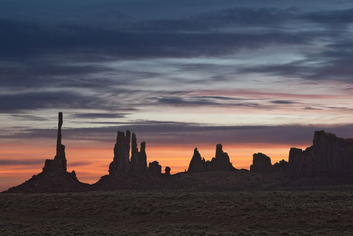 Sunrise Monument Valley, Navajo Nation Park, AZ
